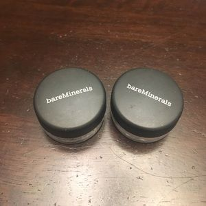 Set of 2 brown eye shadows
